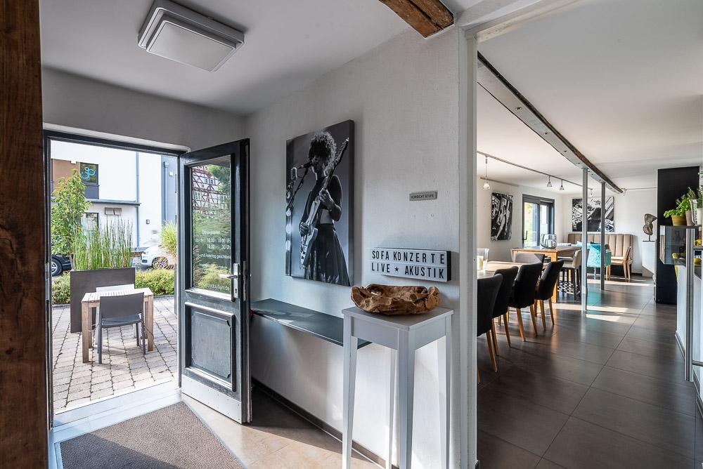Cafe-Marly-Flein-Eingangsbereich